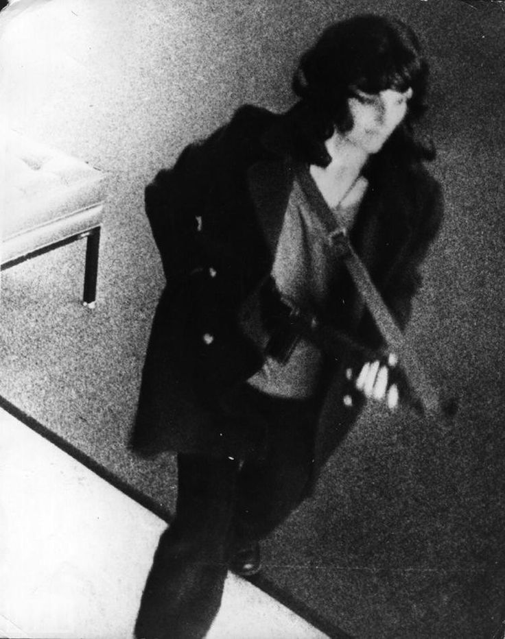 In 1974, Patty Hearst, an American newspaper heiress and socialite, was kidnapped by the Symbionese Liberation Army (SLA). Patty eventually began to relate to her captors and started to take part in their criminal endeavors under the name Tania. This photography shows her holding an M1 Carbine while robbing a Hibernia bank in San Francisco for which she was arrested in 1975.