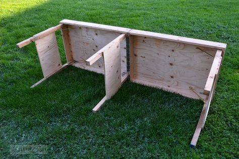 If you need extra work space, this portable workbench is the perfect solution. Free DIY plans to build this table that extends to 8 feet long, and then folds up for storage.
