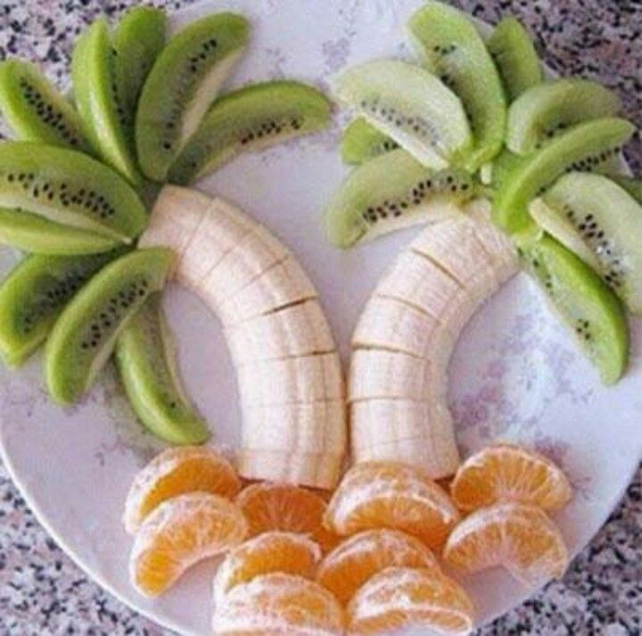 Tropical party fruit plate.