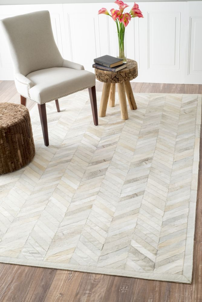 $5 Off when you share! Marquis Chevron Natural Rug | Contemporary Rugs #RugsUSA