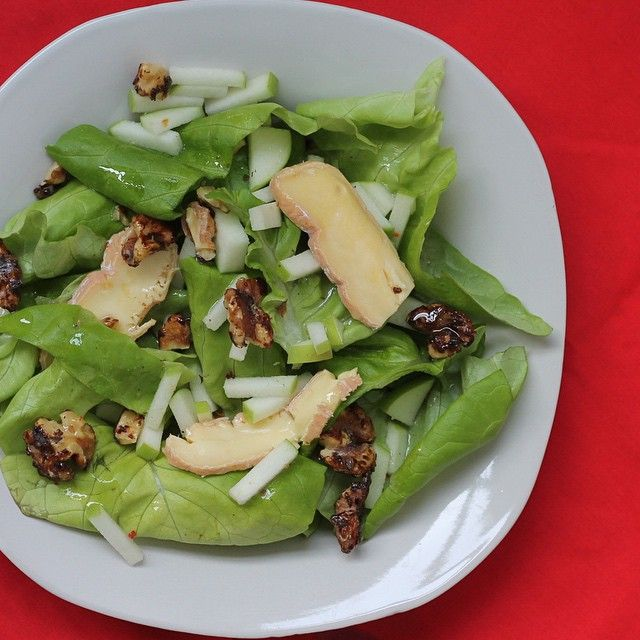 Butter lettuce with green apples, candied walnuts, and Canadian Brie. Dressed with an ice wine vinaigrette. #simplepleasures #cdncheese