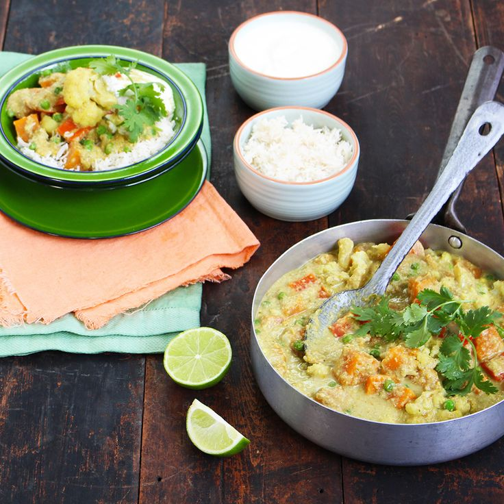 Learn how to make a simple Vegetable Korma Curry. #Woolworths #Recipe #Vegetable #Korma #Curry #whatsfordinner http://www2.woolworthsonline.com.au/Shop/Recipe/3623
