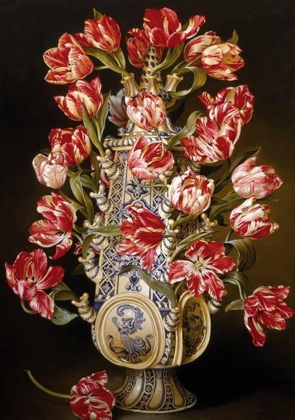 17th century Dutch tulip vase with Rembrandt tulips/Artist: unknown