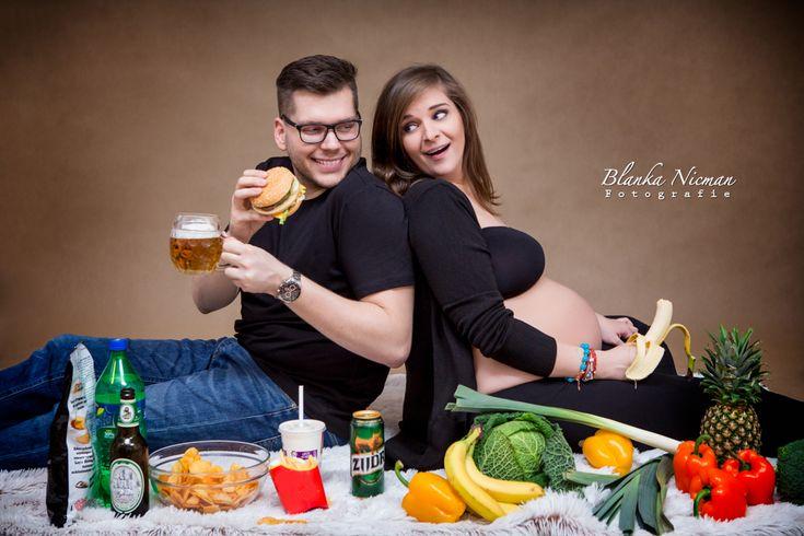 Sesja ciążowa inspiracje, fotografia ciążowa na wesoło
