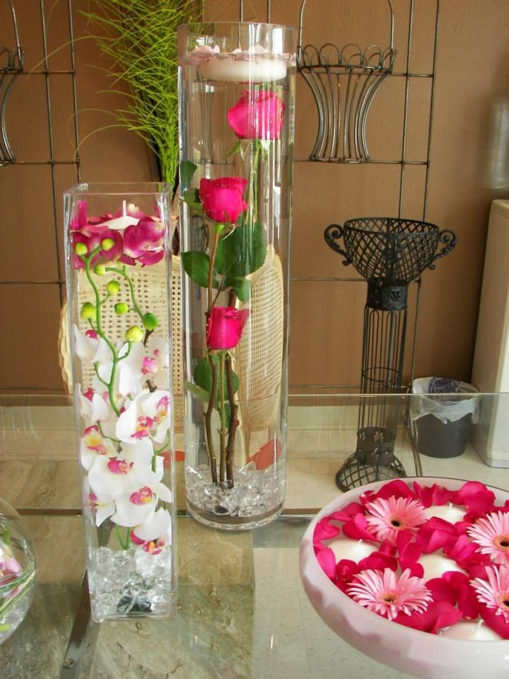 Submerged Roses In A 26 Quot Cylinder Submerged Vase Ideas Plan My Wedding Submerged Flowers