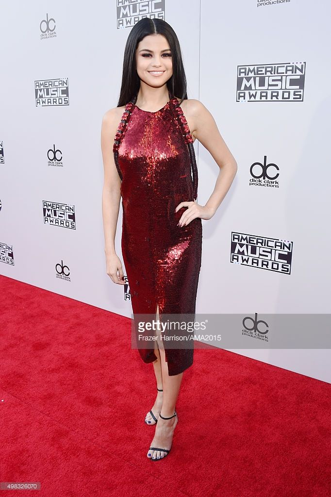 Singer Selena Gomez attends the 2015 American Music Awards at Microsoft Theater on November 22, 2015 in Los Angeles, California.  (Photo by Frazer Harrison/AMA2015/Getty Images for dcp)