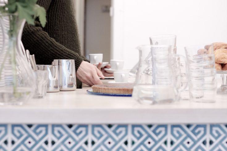 Vor noch nicht all zu langer Zeit endete die Suche nach gutem Kaffee im 7. Bezirk schnell vergebens. Nun hat aber die Third Wave Coffee Bewegung (endlich!) auch Wien großflächig erreicht und das kaffemik in der Zollergasse ist ein wunderbarer Vertreter.