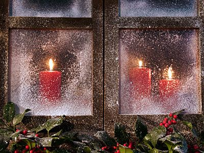 """TLC Home """"Christmas Decorations from Around the World""""  Irish Tradition of window candles"""