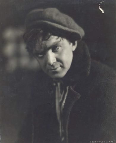 Thomas Mitchell (Young).