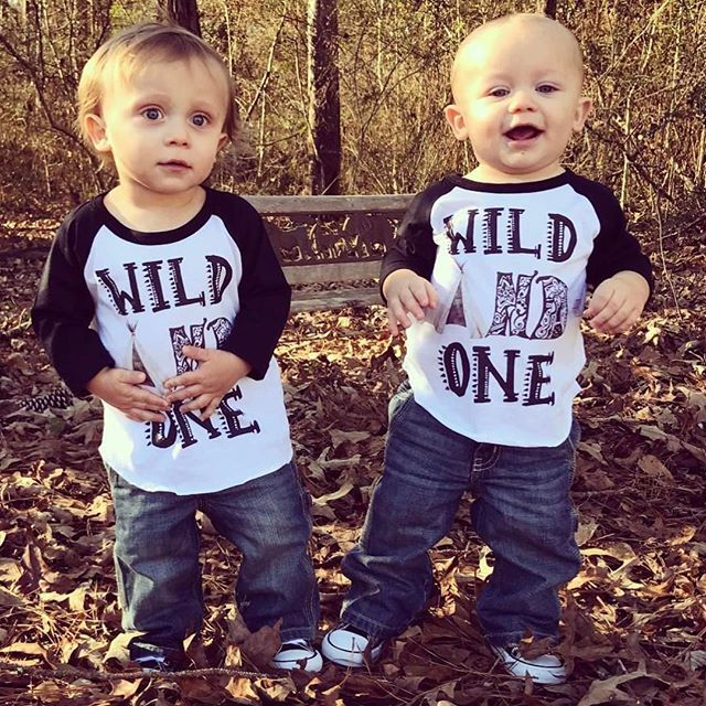 Picture Ideas With Twins: Best 25+ Twin First Birthday Ideas On Pinterest