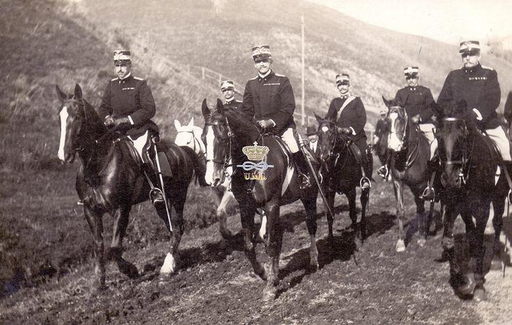 Tor di Quinto 8 settembre 1911  S.M. il Re e S.A.R. Vittorio Emanuele di Savoia Conte di Torino di ritorno dagli esami finali della Scuola di Applicazione di Cavalleria