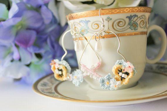 Blooming Heart Hoop Earrings. by BlueberrySodaShop on Etsy, €10.00