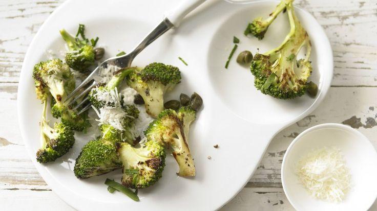 Köstliche Beilage mit italienischem Pfiff: Gebratener Brokkoli | http://eatsmarter.de/rezepte/gebratener-brokkoli