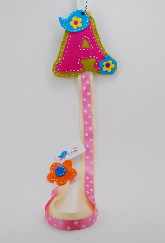 so cute to hold all the girly hair bows!  segnalibro  bookmark