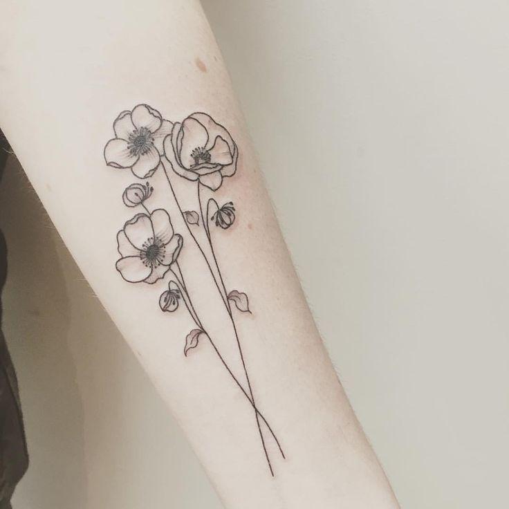 Anemones Poppy For Alix Done Few Months Ago At Lesmauxbleus Tattoo Fineline Fineliner Fineliner Simplistic Tattoos Minimalist Tattoo Poppies Tattoo
