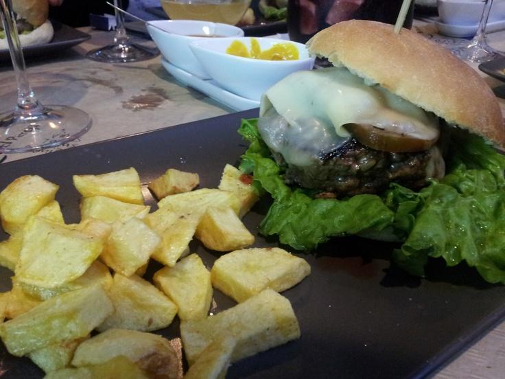 Hamburguesa de carne de kobe en la Taberna El Perejil