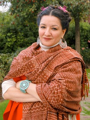 a poetic view of life in the house on mango street by sandra cisneros House on mango street  a literary analysis and a comparison of the house on mango street by sandra cisneros and  a poetic view of life in the house on mango.