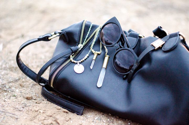 Read on to see more of Chelsea's latest look for your own vintage retro sunglasses inspiration in the new year.