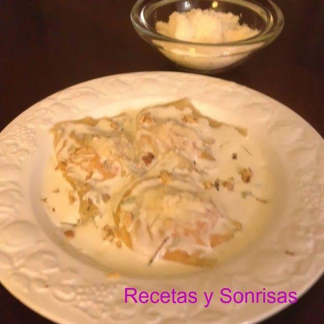 Raviolis de calabaza y queso con salvia y nueces http://recetasysonrisas.blogspot.com.es/2013/11/raviolis-de-calabaza-queso-y-salvia.html #food #récipes # tutorial #pumpkin #ravioli