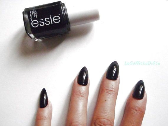 stiletto nero unghie finte glossy nail art nero natale halloween gothic lolita artigli elegante festa notte nozze morbid lasoffittadiste