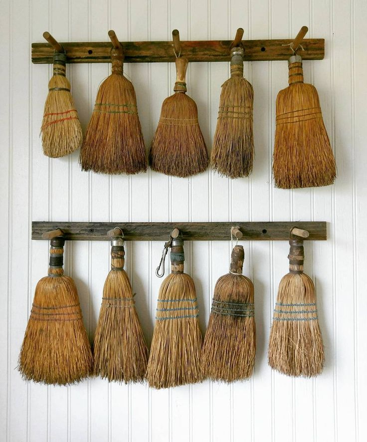 """Gefällt 1,184 Mal, 107 Kommentare - Jennifer Choate (Josh Choate) (@downshilohroad) auf Instagram: """"So basically I have this collection of old whisk brooms that I absolutely adore!!! They've been…"""""""