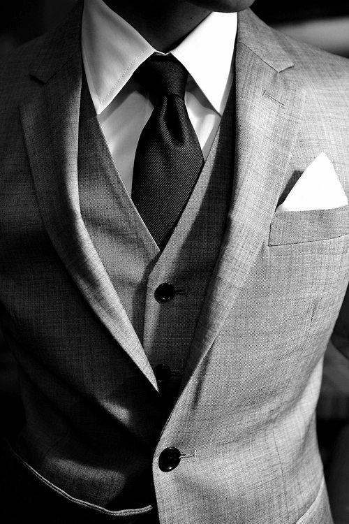 Vestimenta de hombres grises. Los hombres grises siempre llevaban puestos trajes muy elegantes y grises.