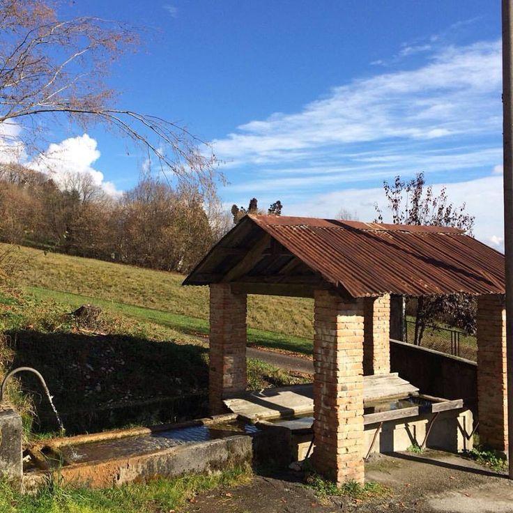 Fontana e lavatoio a Susin di Sospirolo Belluno Dolomiti Veneto Italia