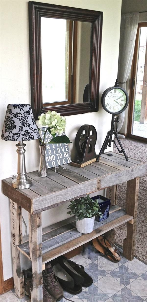 Love this table.  {25 Unique DIY Pallet Table Ideas | 99 Pallets}