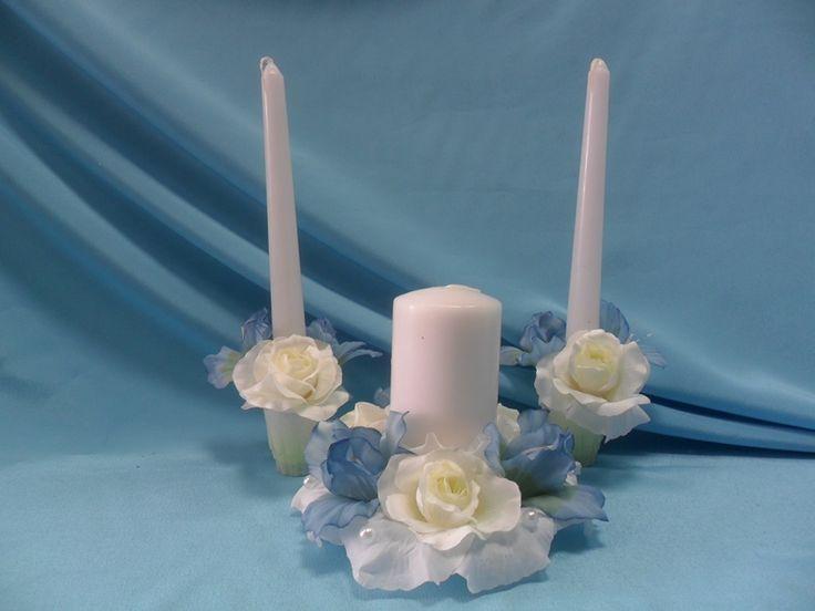 Благородные английские ирисы и белоснежные невинные розы станут символом отношений сильного мужчины и верной женщины