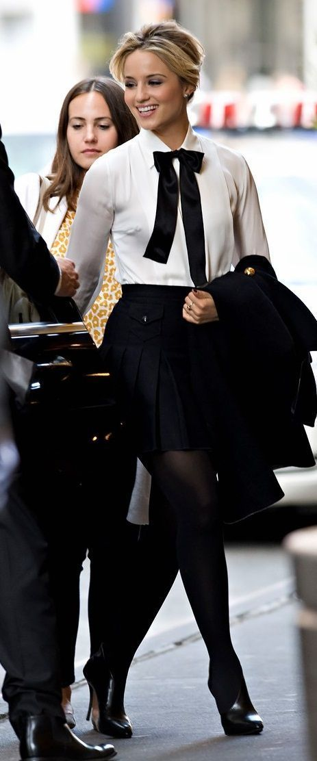 Celebrity look | Bow tie, white blouse, high waist skirt, tights and heels