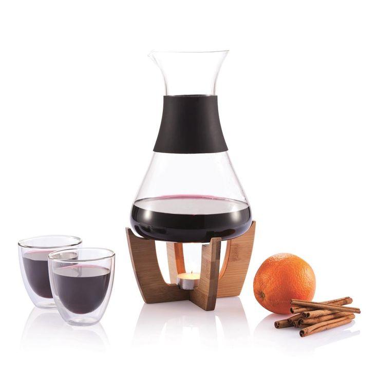 GLU' è un set caraffa. La candelina inclusa può riscaldare le vostre bevande nelle fredde sere invernali. Insieme a 2 bicchieri in doppio vetro è, ad esempio, ideale per il vin brulè.