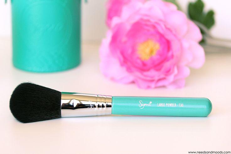 Sur mon blog beauté, Needs and Moods, retrouvez une revue que le kit de pinceaux Sigma : Travel Kit Make Me Cool!  http://www.needsandmoods.com/sigma-travel-kit/  #sigma #sigmabeauty @sigma_beauty #thebeautyst @thebeautyst #sigmabrush #sigmabrushes #brush #brushes #makeup #maquillage  #beauté #beauty #blog #blogueuse #blogger #beautyblogger #TravelKitSigma #SigmaTravelKit #MakeMeCool #TravelKitMakeMeCool  #pinceaux #pinceau #mua #makeupaddict #turquoise #f30 #sigmaf30 #largepowder #powde