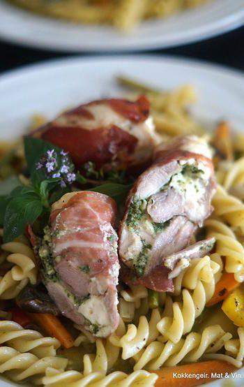 kokkengeir | Fetafylt og Parmasurret kyllinglår.