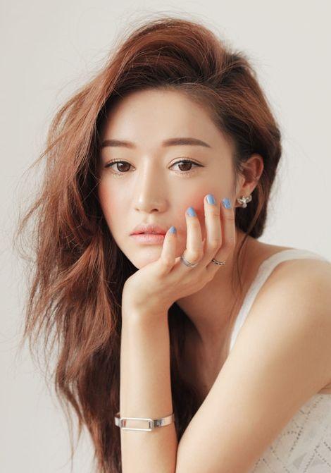 Light Brown Korean Wavy Hair