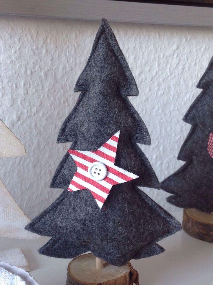Was kommt heraus wenn sich das nähende Töchterchen mit dem schreinernden Papa zusammentut? Ein wunderschöner Weihnachtswald samt Echtholzst...