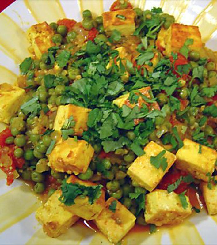 Mattar Paneer - Indian Peas with Paneer Cheese Check out more desings at: http://www.mehndiequalshenna.com/