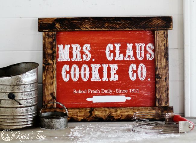 DIY Rustic Sign With Mrs. Claus Chalkboard Print - Santa works hard 1 day a year, but Mrs. Claus is the real unsung hero. The elves working in Santa's Workshop…