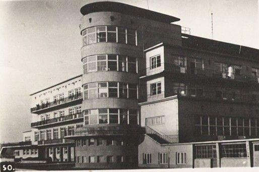 Dom Żeglarza Polskiego/Wydział Nawigacji AM, al. Jana Pawła II 3 – MODERNIZM GDYNIA Szlak modernizmu
