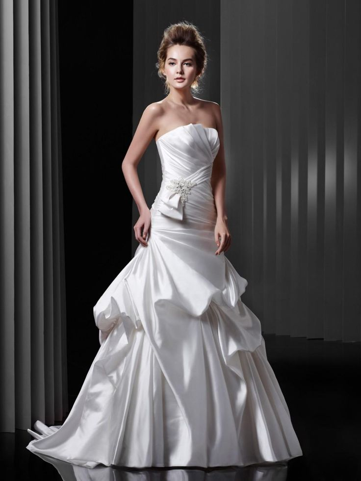 Custom Made Wedding Dress Scalloped Tiered A Line With Lace Up Back Court Train Taffeta Plus Size Bridal Gowns Latest Wedding Gown Mature Wedding Dresses From Everlastinglovedress, $148.75  Dhgate.Com