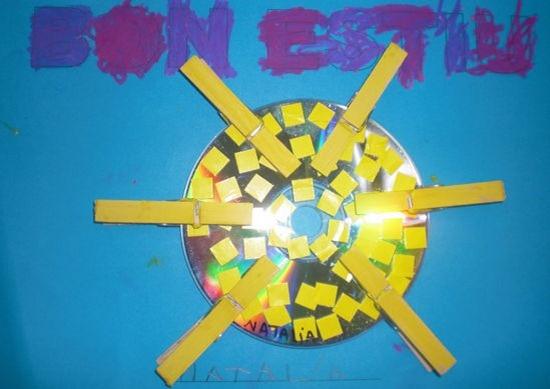 Sol con cd Reciclado y Pinzas de la Ropa