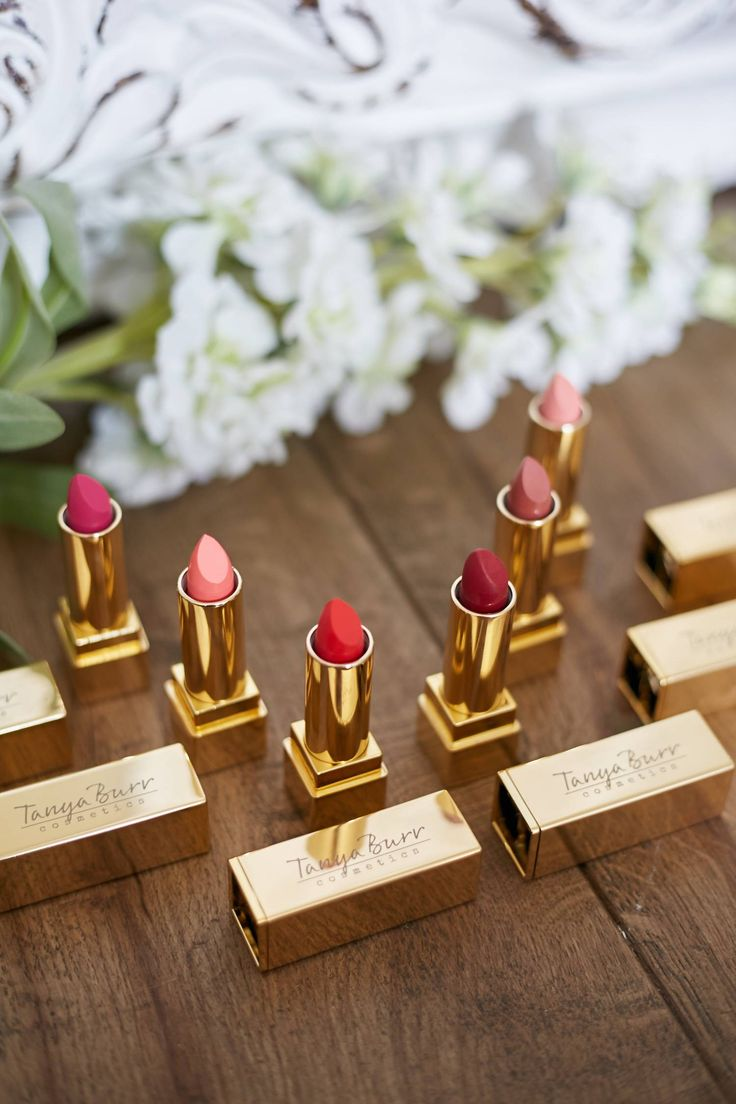 And now for another very, very exciting addition to the range – lipsticks! It's been so hard to keep these a secret from you guys, and I've worn them a couple of times forgetting they… View Post