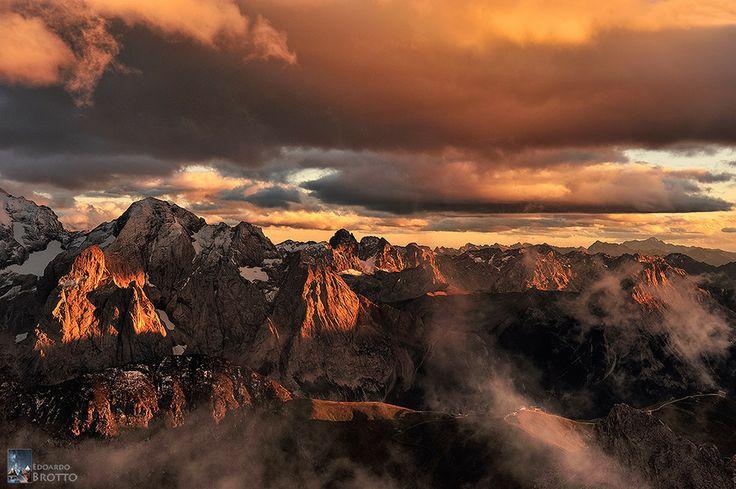 Tramonto Galattico - Pordoi (Dolomiti) by Edoardo Brotto on 500px