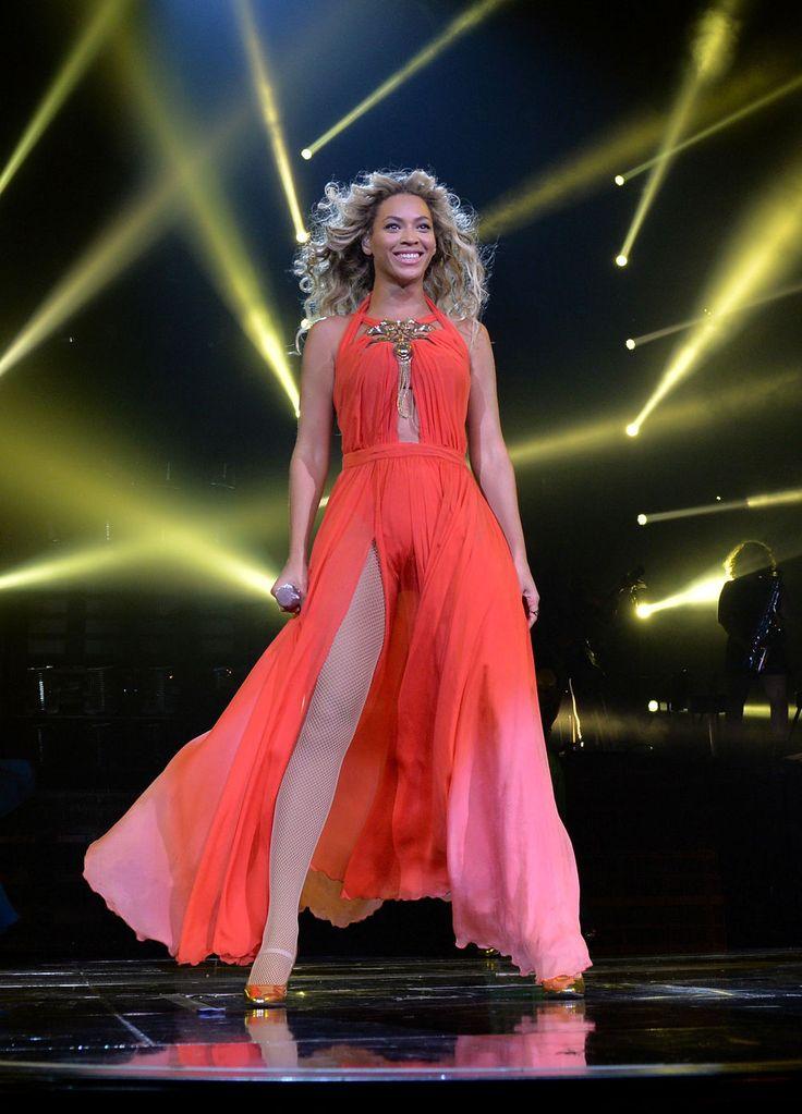 Beyonce white dress performance toyota
