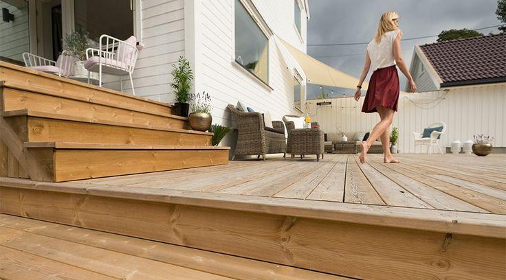 Hvordan behandle og beise en terrasse