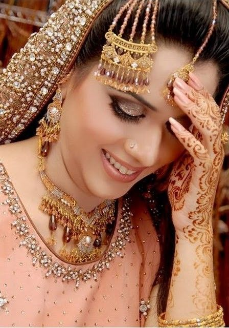 indian hair styles for party 10 best indian brides images on indian 3477 | 21e5e3477e1f8eae97a036643073ad5b arabic henna arabic mehndi designs