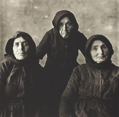 Irving PENN, Three Cretan Women, Crete, 1964