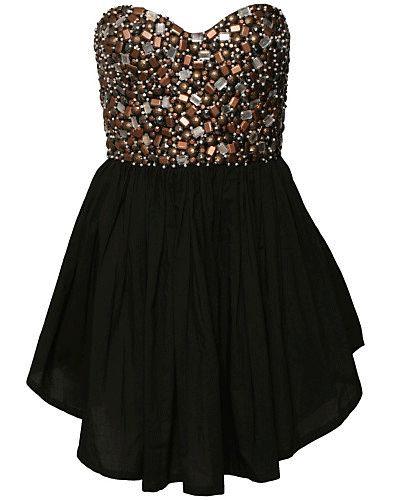 Cute formal dress :)