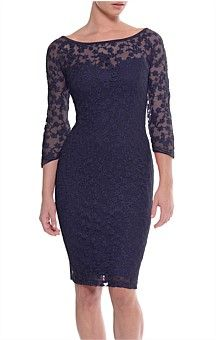 PRIMROSE 3/4 SLEEVE FITTED SWEETHEART NECK LACE DRESS IN NAVY