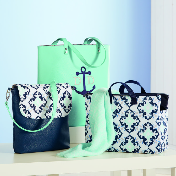 Thirty-one SPRING 2018 / Around Town Tote in Skies for you Pebble and Super Swap-It Pocket in Fab Flourish AND the new Studio Thirty-one Collection that lets you build your own purse https://www.mythirtyone.com/1872596/info/home
