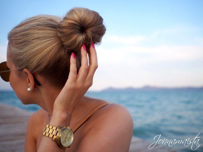 Top bunHair Colors, Summer Hair, Summer Style, Long Hair, Gorgeous Hairstyles, Hot Pink, Hair Style, Socks Buns, Perfect Buns